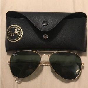 Ray Ban classic green tinted aviator sunglasses